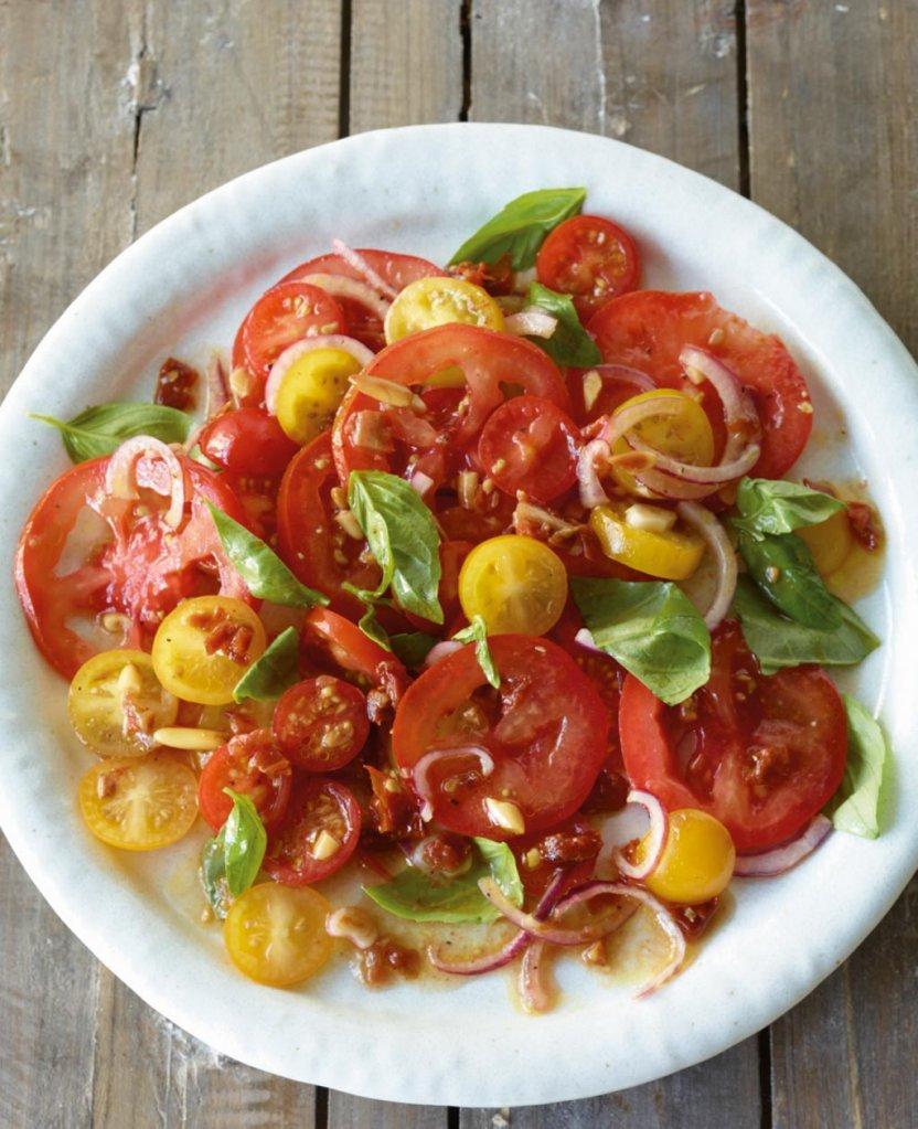 tomaten rezepte f r salate essen und trinken. Black Bedroom Furniture Sets. Home Design Ideas