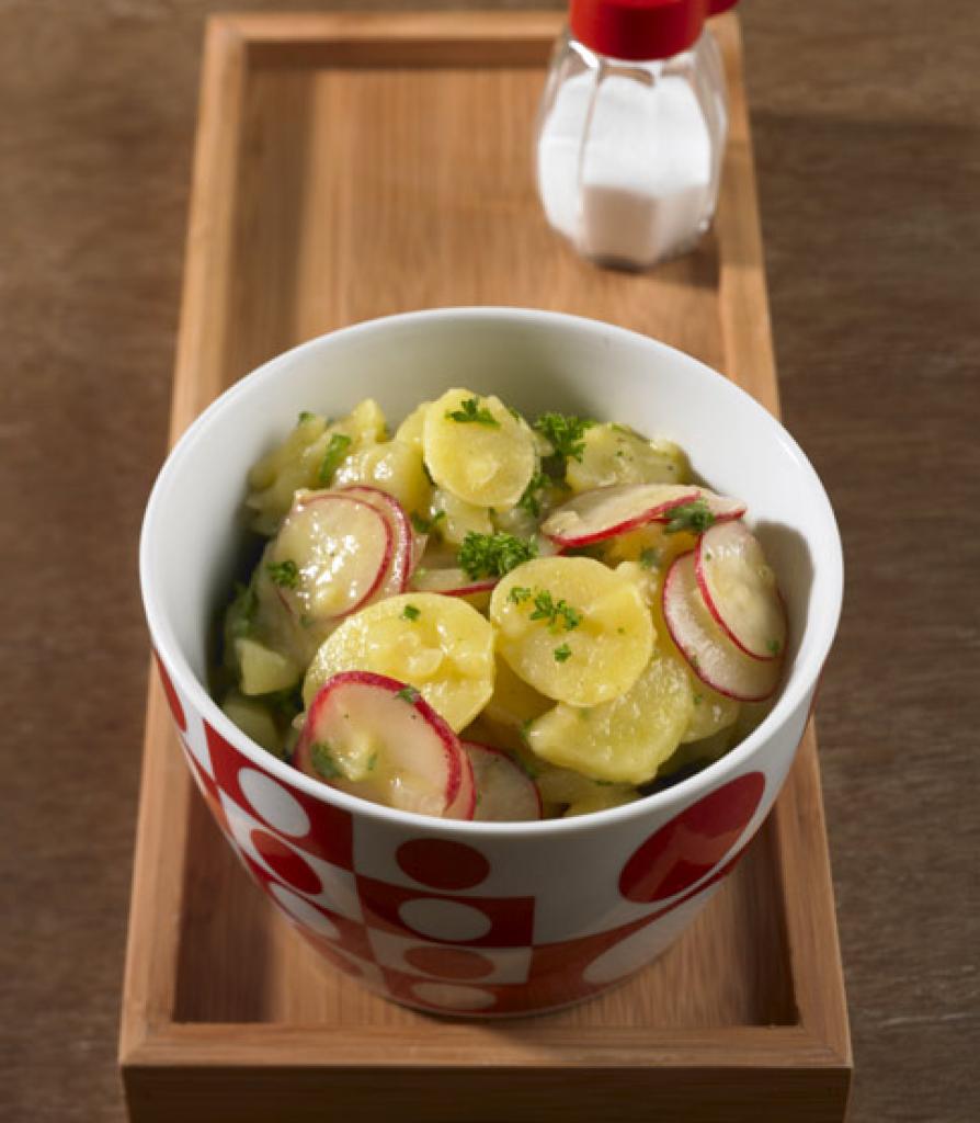 kartoffel radieschen salat rezept essen und trinken. Black Bedroom Furniture Sets. Home Design Ideas