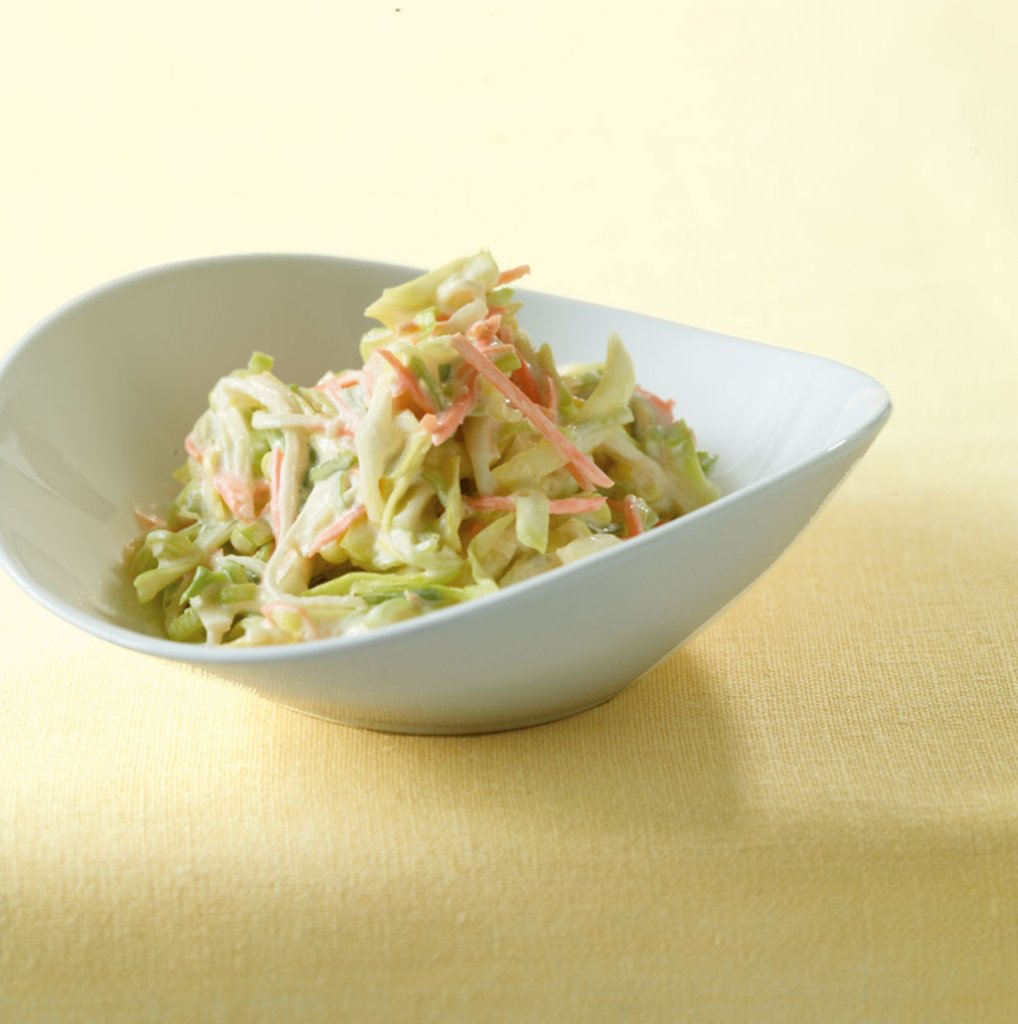 schmand spitzkohl salat rezept essen und trinken. Black Bedroom Furniture Sets. Home Design Ideas