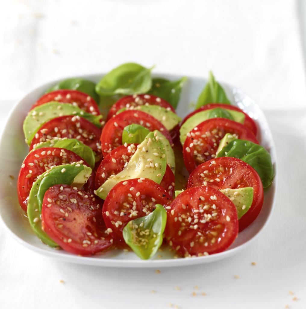 tomaten avocado salat rezept essen trinken. Black Bedroom Furniture Sets. Home Design Ideas