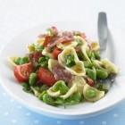 Nudelsalat mit dicken Bohnen