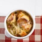 Überbackene Zwiebelsuppe