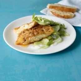 Gewürzfisch mit Gurkensalat