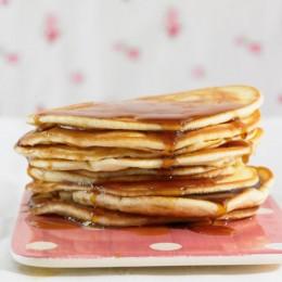 Pancakes mit Kaffeesirup
