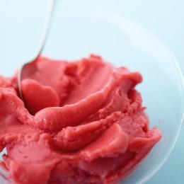 Schnelles Erdbeersorbet