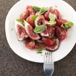 Tomatensalat mit Feigen