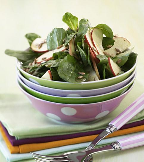 feldsalat mit pfeln sonnenblumenkerne im salat 7 essen trinken. Black Bedroom Furniture Sets. Home Design Ideas