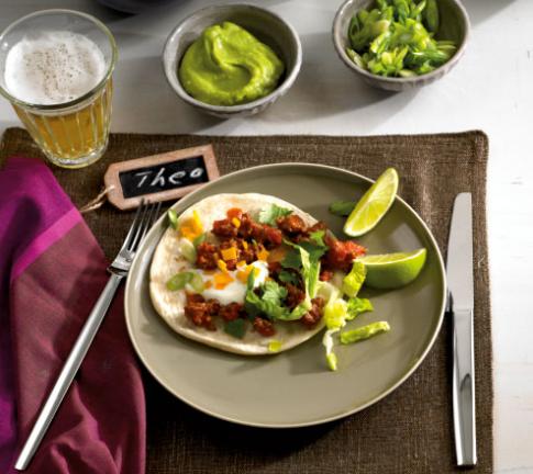 gefuellte tortillas rezepte f r anf nger gekochtes fleisch 3 essen trinken. Black Bedroom Furniture Sets. Home Design Ideas