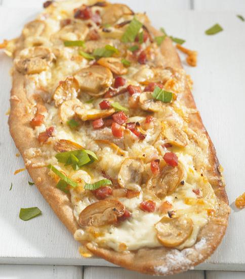 pilz pizza rezepte geb ck mit speck 1 essen trinken. Black Bedroom Furniture Sets. Home Design Ideas