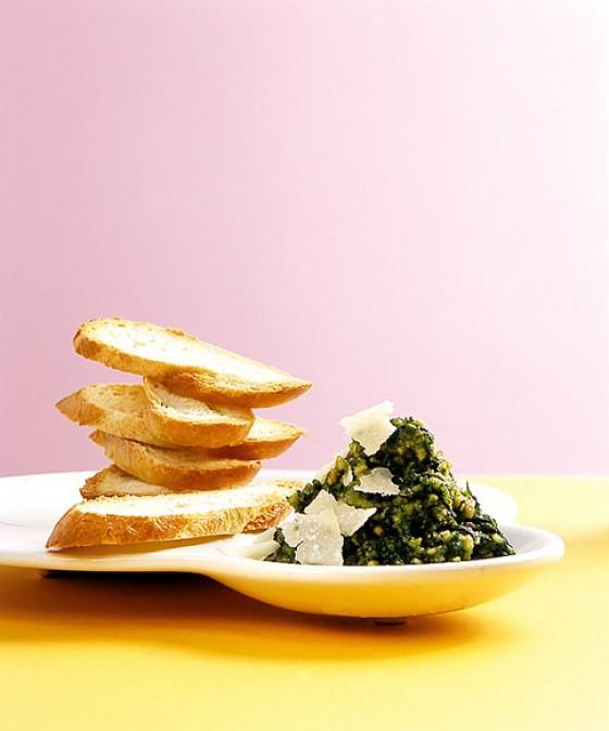 Crostini mit Frühlings-Pesto