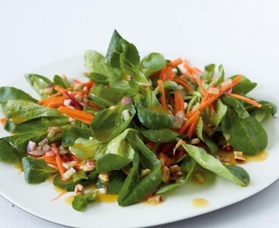 Feldsalat mit Senf-Vinaigrette