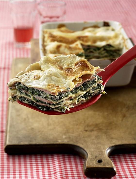 Grün-weiße Lasagne
