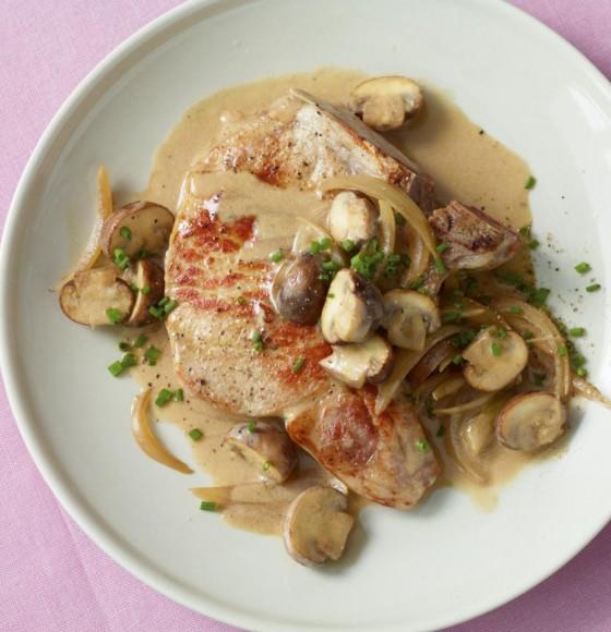 Kotelett mit Champignon-Zwiebel-Sauce