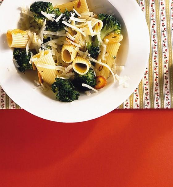 Penne mit scharfem Broccoli