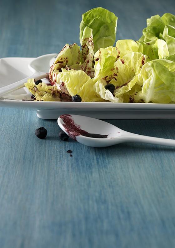 Salat mit Beerendressing