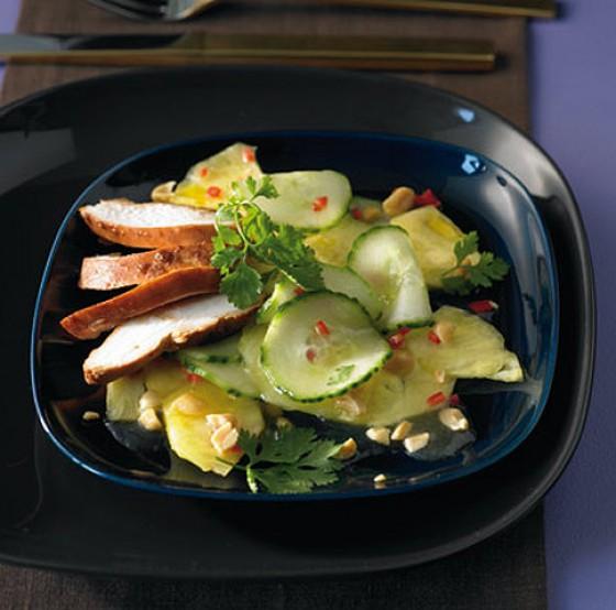 Scharfer Gurken-Ananas-Salat