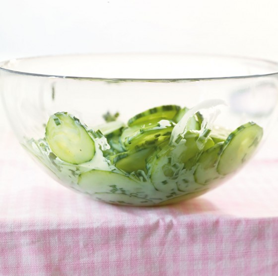 Schnittlauch-Gurkensalat