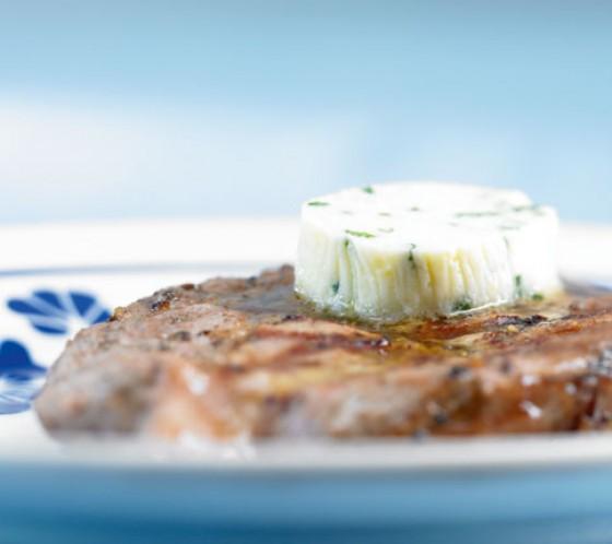 Steak mit Meerrettichbutter