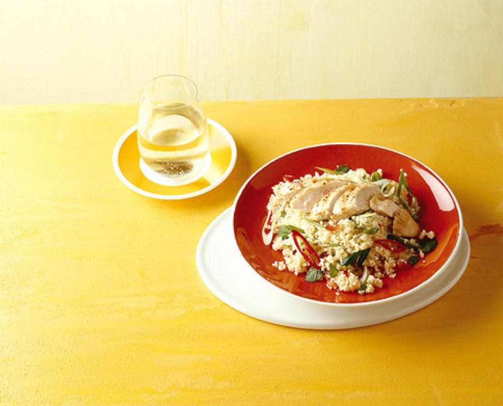 couscous salat mit h hnchen rezept essen und trinken. Black Bedroom Furniture Sets. Home Design Ideas