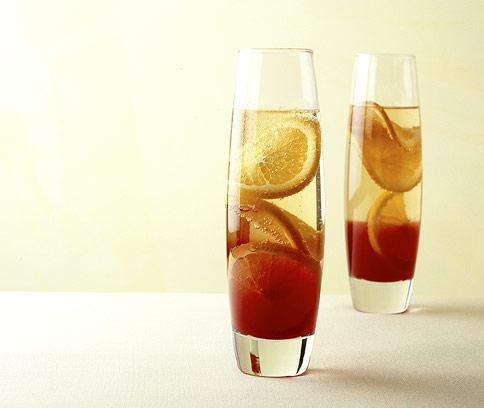 sekt campari cocktail rezepte f r aperitif 7 essen trinken. Black Bedroom Furniture Sets. Home Design Ideas