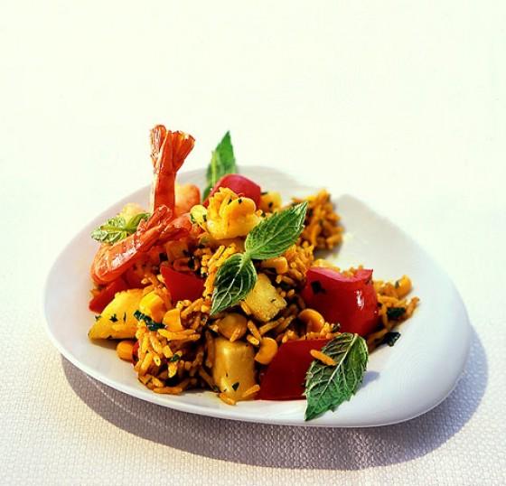 Ananas-Reissalat mit Garnelen