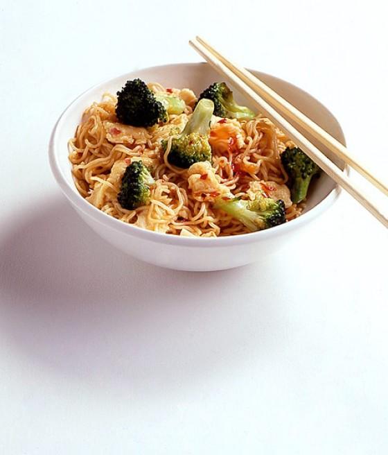 Bratnudeln mit Broccoli