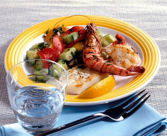 Gazpacho-Salat mit Meeresfrüchten