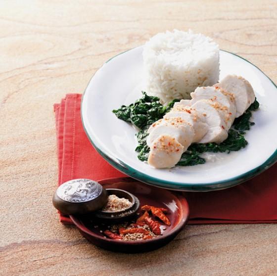 Gedämpfte Hähnchenbrust mit Sesam-Chili-Salz
