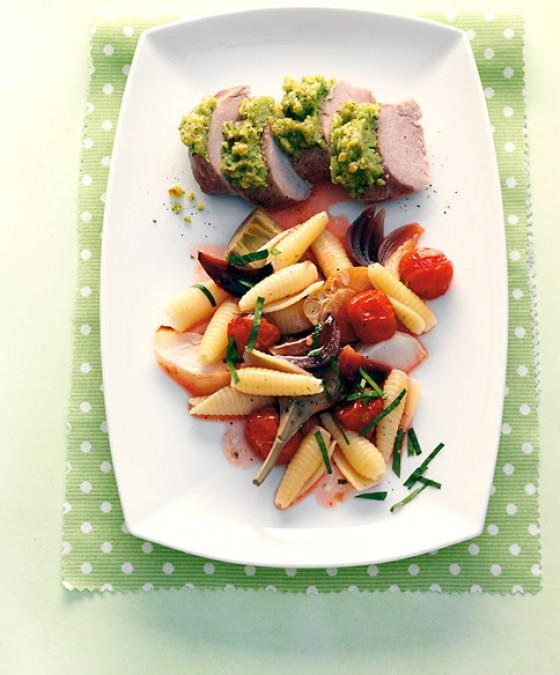 Gemüsepasta mit Schweinefilet