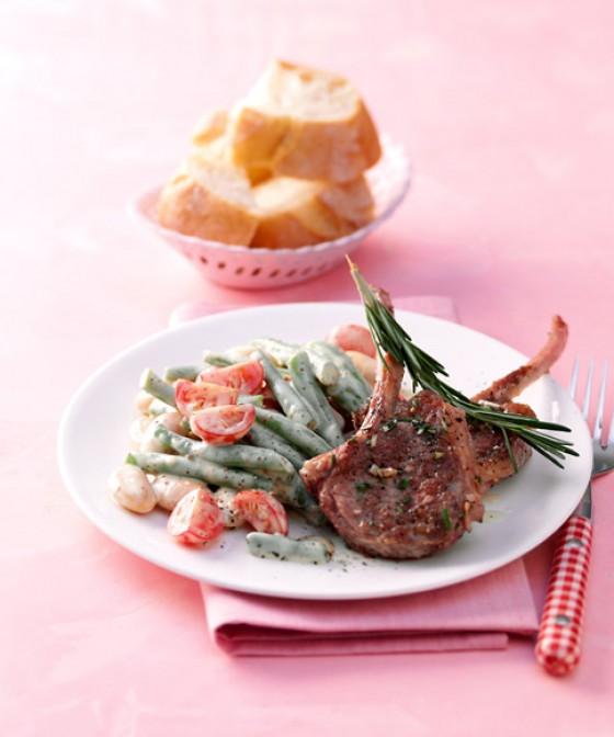 Lammkoteletts mit Bohnensalat
