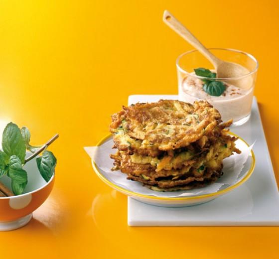 Möhren-Minz-Puffer mit Zimtjoghurt