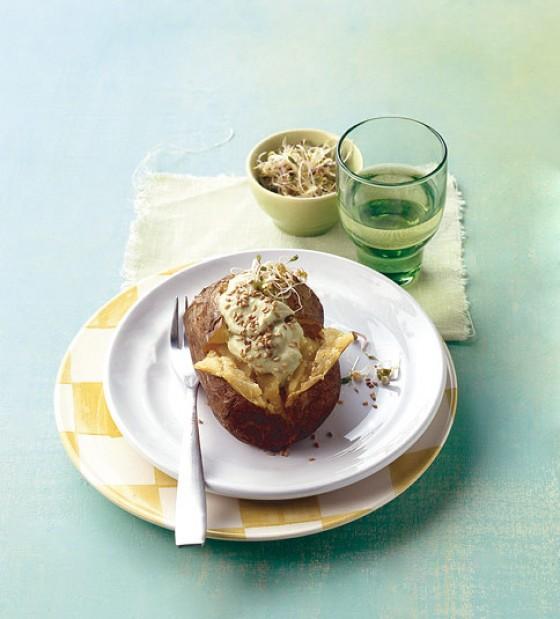 ofenkartoffel mit avocadodip rezept essen und trinken. Black Bedroom Furniture Sets. Home Design Ideas