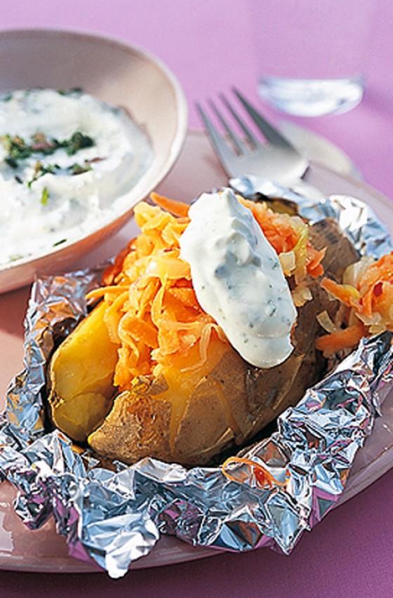 Ofenkartoffel mit Coleslaw