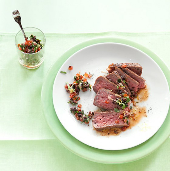 Rumpsteak mit  Olivensalsa