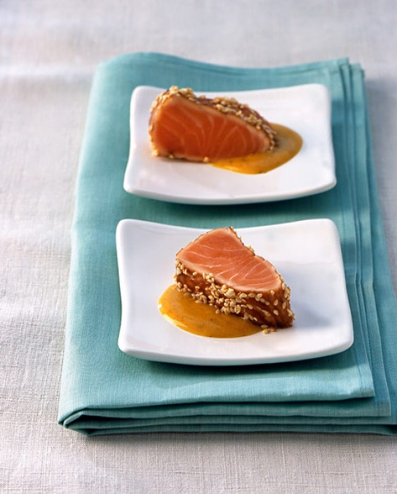 Sesam-Lachs mit Currysauce