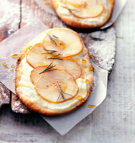 Süße Focaccia mit Birnen