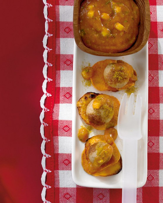 Wurstbällchen mit Mango-Curryketchup