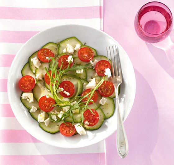 Zucchinisalat mit Kirschtomaten
