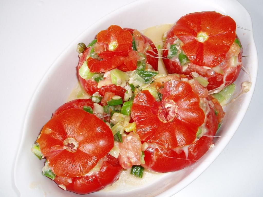 gef llte tomaten vegetarisch rezept essen trinken. Black Bedroom Furniture Sets. Home Design Ideas