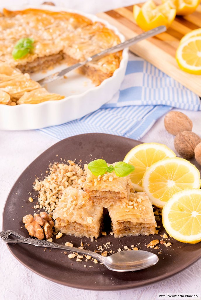 Orientalischer nuss honig kuchen