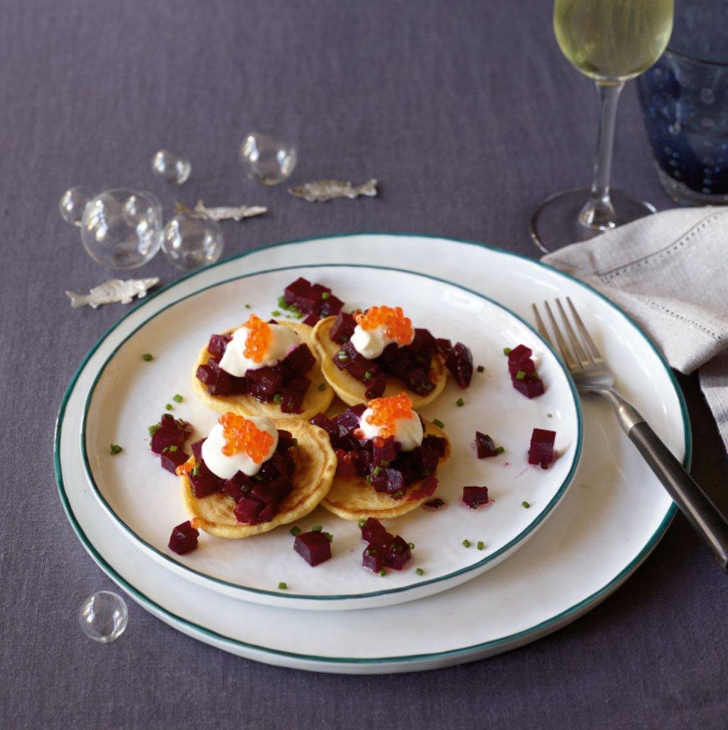 blini mit forellenkaviar rezept essen trinken. Black Bedroom Furniture Sets. Home Design Ideas