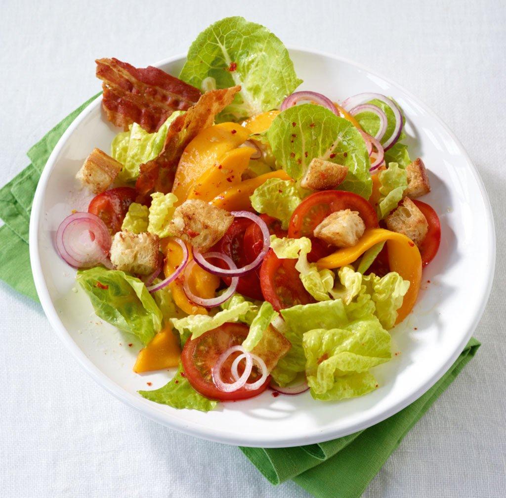 bunter salat mit mango und speck rezept essen trinken. Black Bedroom Furniture Sets. Home Design Ideas