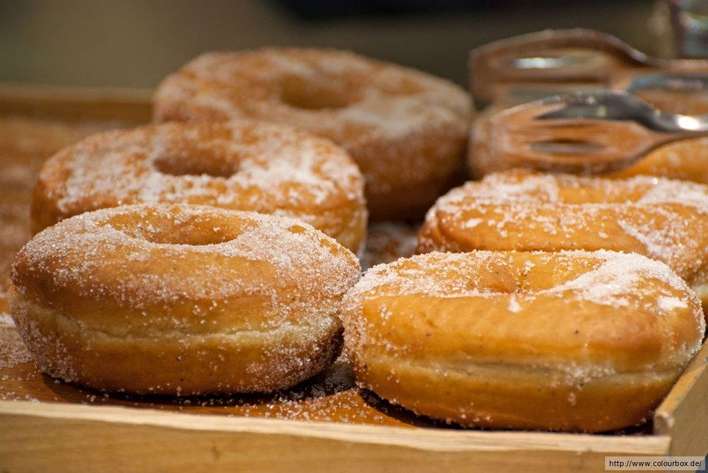 donuts f r donut maker rezept essen und trinken. Black Bedroom Furniture Sets. Home Design Ideas