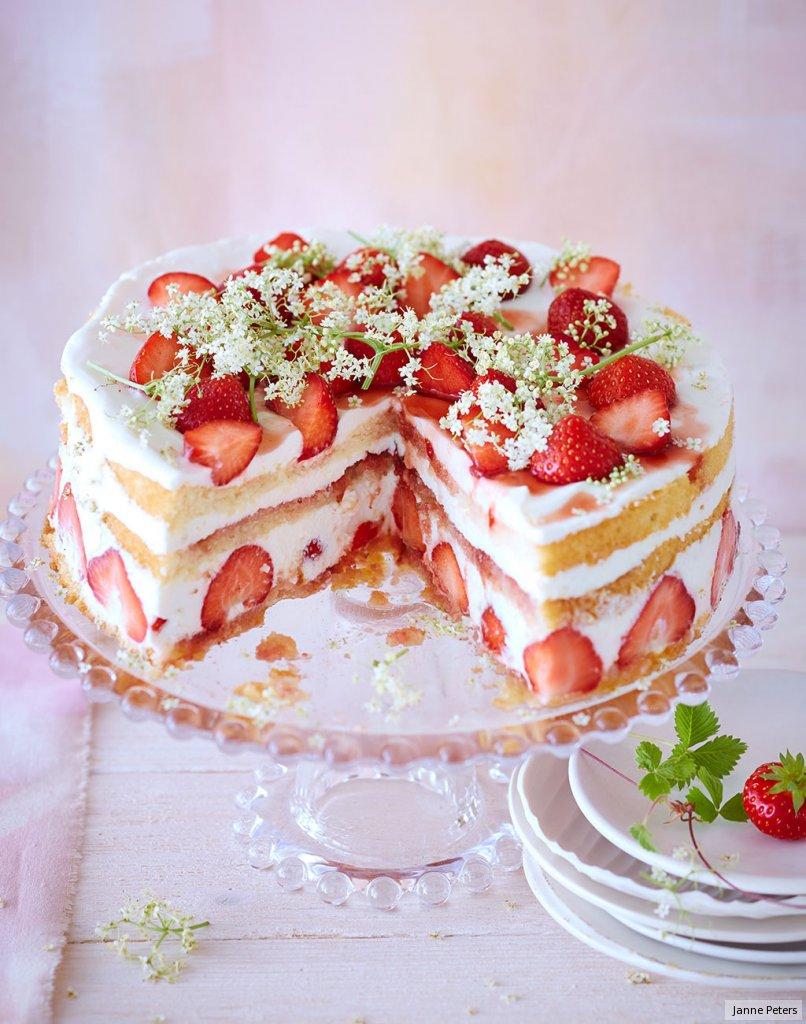 Erdbeer-Holunderblüten-Torte Rezept - ESSEN & TRINKEN