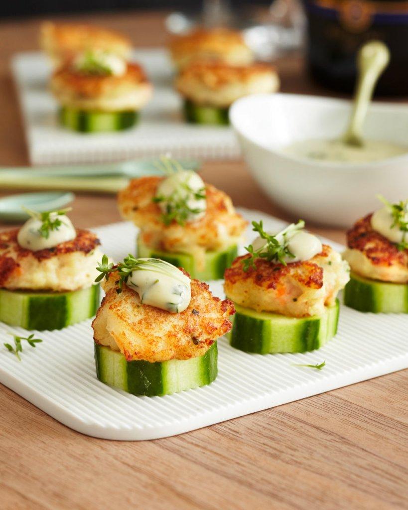 fischfrikadellen mit mayonnaise rezept essen trinken. Black Bedroom Furniture Sets. Home Design Ideas