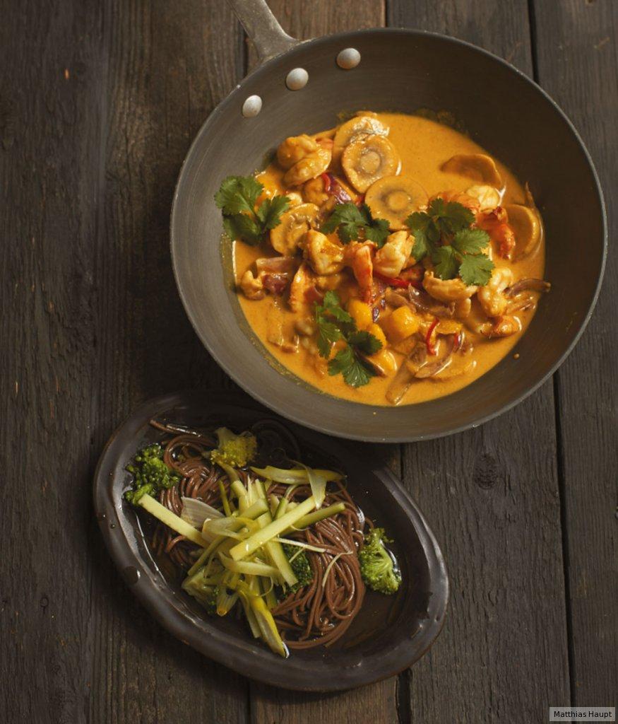 garnelen curry und nudeln rezept essen trinken. Black Bedroom Furniture Sets. Home Design Ideas