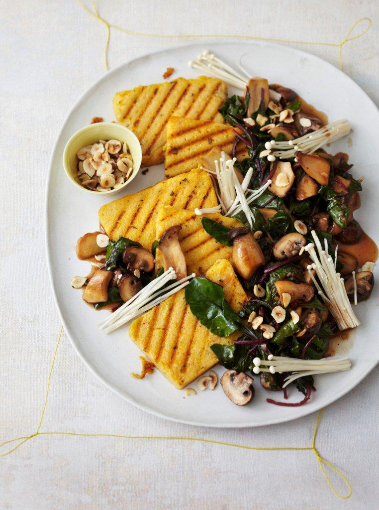gebratene rosmarin polenta mit mangold pilzen rezept essen und trinken. Black Bedroom Furniture Sets. Home Design Ideas