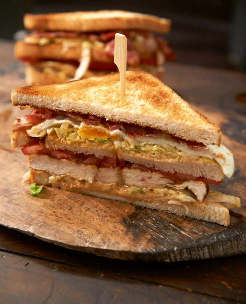sandwiches 10 klassiker neu interpretiert essen trinken. Black Bedroom Furniture Sets. Home Design Ideas