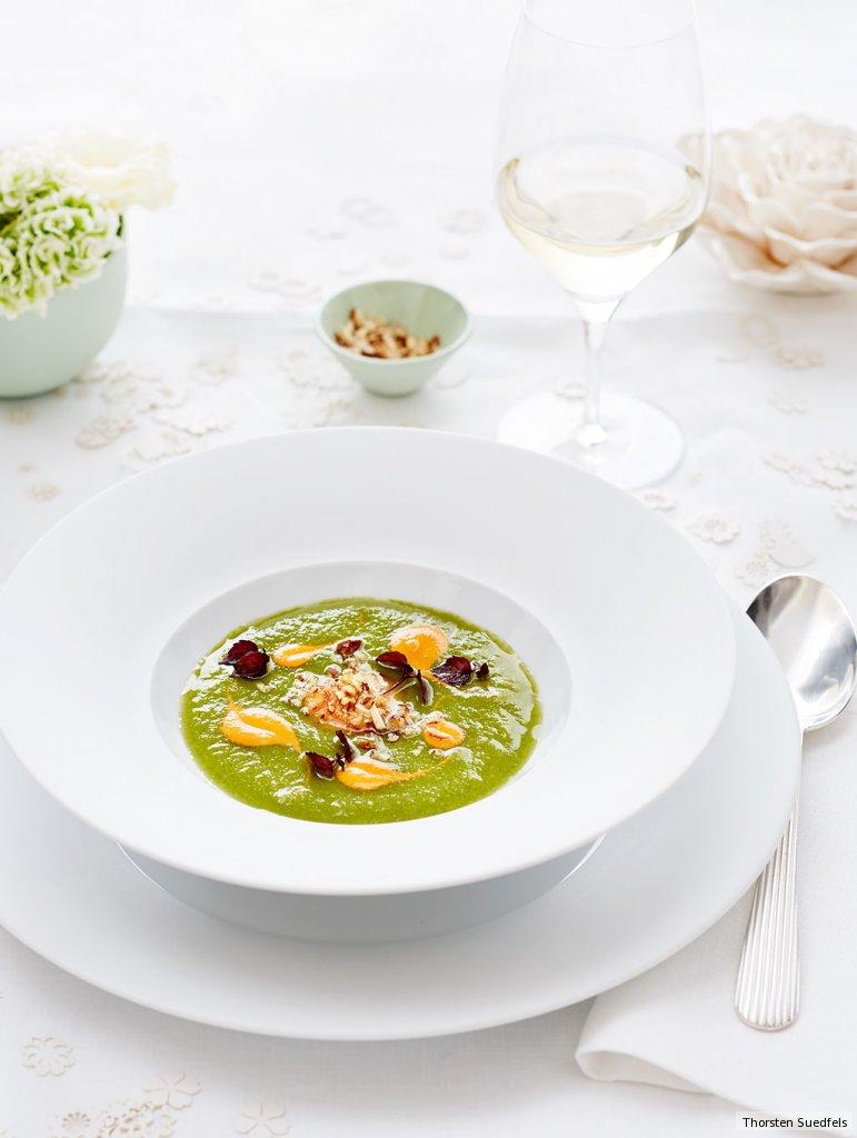 kalte gurken apfel suppe mit jakobsmuschel rezept essen und trinken. Black Bedroom Furniture Sets. Home Design Ideas