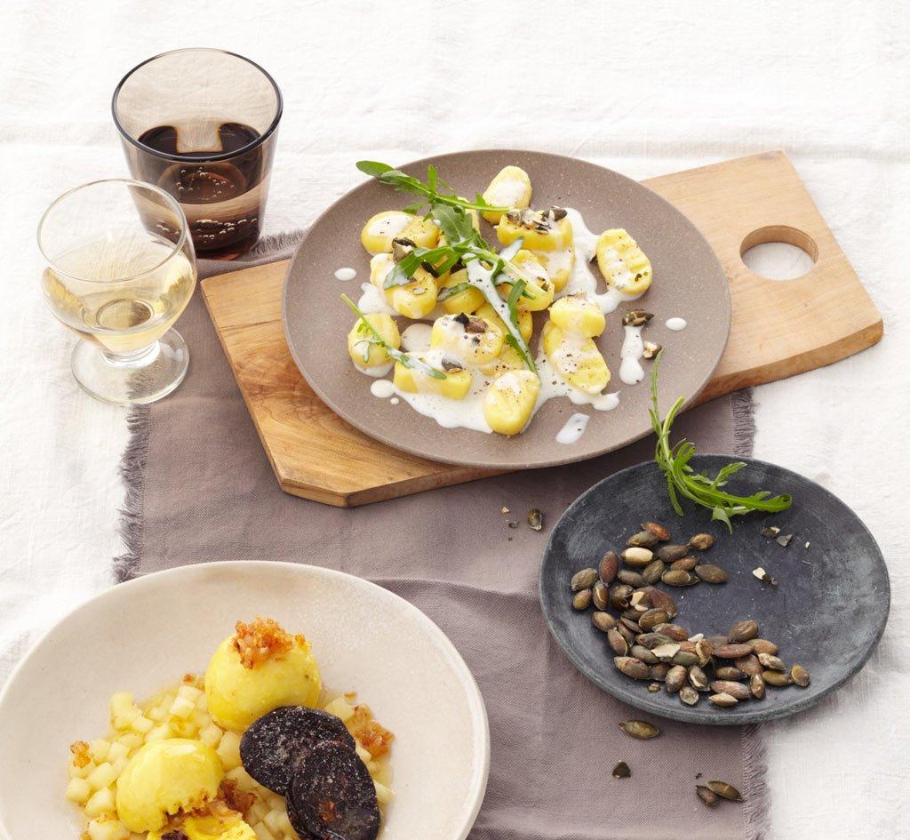 kartoffelnocken mit stilton und rauke rezept essen und trinken. Black Bedroom Furniture Sets. Home Design Ideas